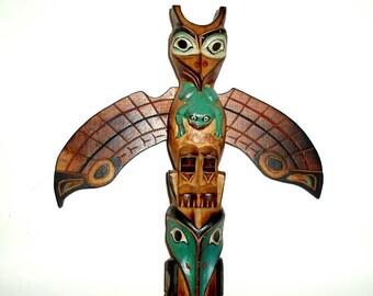 "vintage ALASKA TOTEM POLE, 14"", carved wooden sculpture folk art,Black Diamond,Paymoore,frog,fish,owl,birds,aqua,beige,brown,black,white,red"