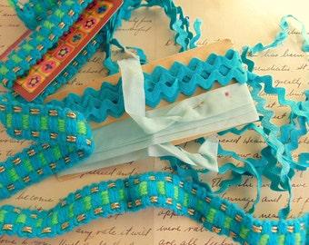 Vintage Tourquoise Blue Rick Rack Satin Bias Tape Novelty Trim LOT
