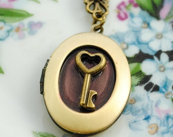 Key To My Heart Locket - Women's Locket - gift for her, anniversary gift, wife, girlfriend