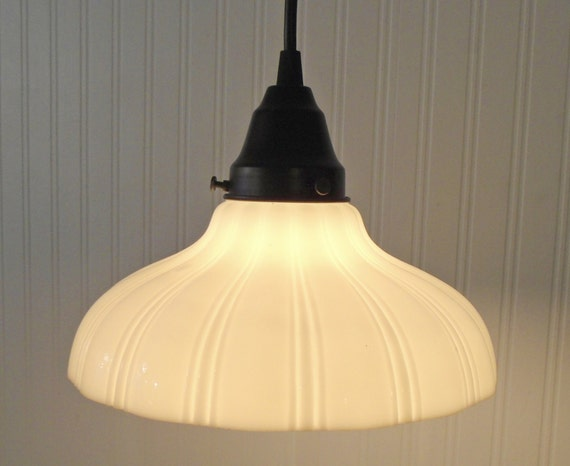 Milk Glass Bath Light: Antique PENDANT Light Of Vintage Milk Glass With Edison Bulb