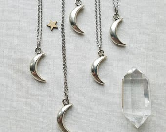 Silver Crescent Moon Layering Necklace / Stainless Steel