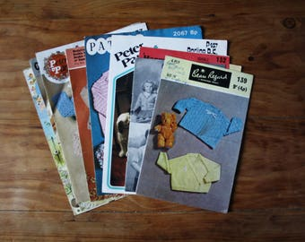 Mixed lot of vintage knitting patterns for childrens and babies jumpers & cardigans.