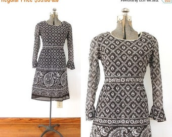 ON SALE 60s Dress / Brown Paisley 1960s 70s  Boho Dress
