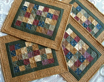 Set of 4 Quilted Place Mats (Item #127)