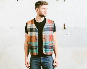 Mens PLAID Vest . Lined Quilted Vintage 80s Hunting Jacket Green Red Western Gilet 80s Checkered Print Heritage Utility Vest . size Large