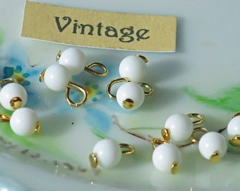 Vintage White glass Connectors Drops Dangles Beads Brass Charms Chalk 4mm wedding beads . #1509