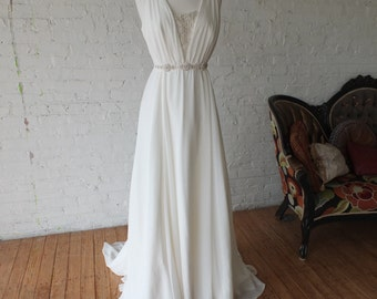 Grecian style wedding dress lovely beaded bodice and belt sz 12 14