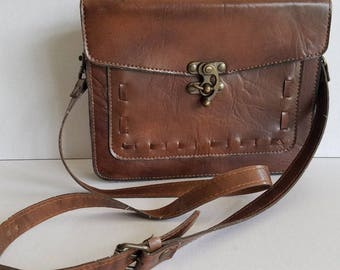 Vintage Brown Leather Shoulder Bag Handbag with Swing Lock Clasp