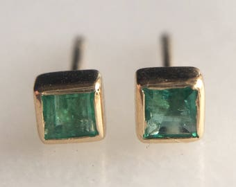 Vintage Emerald and 14k Gold Stud Earrings
