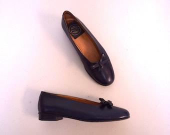 VINTAGE ESPACE Robert Clegerie Navy Blue Low Block Heel Pumps w Bows Size 6.5 M