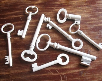 Home Decor Vintage Keys for Frame Display Memorabilia - Genuine Vintage Keys - Shabb Cottage Chic Wall Decor, 7 White Skeleton Keys (A-3)