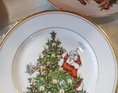 """FITZ & FLOYD """"St. Nicholas"""" 1 Salad/Dessert Plate Santa and Reindeer Trimming Tree"""