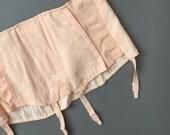 vintage 1950s corset girdle / 50s floral peach vintage plus size suspender belt