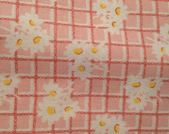 Light Pink Daisy Cotton Quilting Fabric Floral Flowers