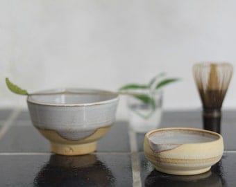 Stoneware pourer