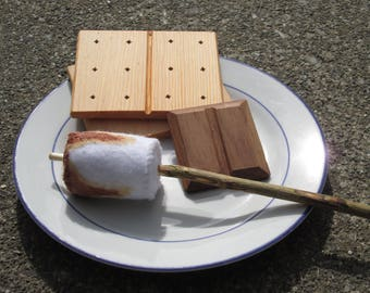 Pretend Play S'mores Set
