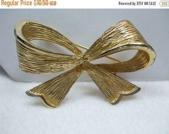 SALE 50% OFF Vintage Bow Goldtone Brooch