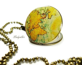 Photo Locket Globetrotter - nostalgic world map