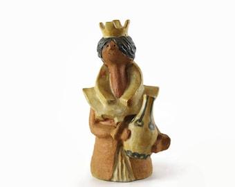 Vintage Metlox Poppytrail Poppet, Queen Elizabeth, Mid Century Modern Decor, Stoneware Pottery Figurine