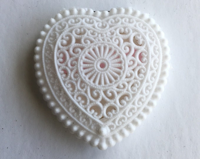 Vintage Ring Box Lacy Heart Jewelry Presentation