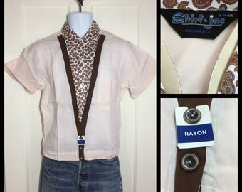 1950's Deadstock Rayon short sleeve Shirt Jac size Medium NOS NWT two tone Beige pale peach brown paisley V panel elastic back rockabilly