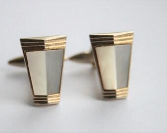 Vintage Mother of Pearl cufflinks.