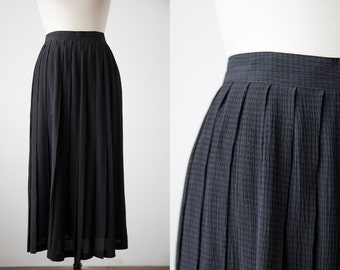 Vintage Classic  High Waist Black Textural Check Midi Length Skirt S-M