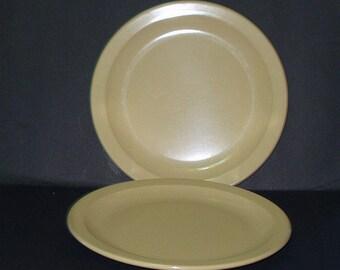 "Vintage 2 Texas Ware Beige 10"" DINNER PLATES Melmac Melamine Made USA 417"