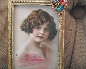 Picture Frame - 2 x 3 Goldtone Vintage Metal Picture Frame with BeautifulMulti Color Rhinestone Heart Jewel