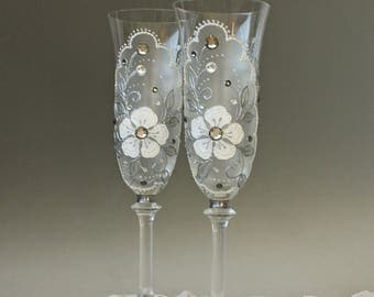 Wedding Champagne Glasses, Wine Glasses, hand painted set of 2
