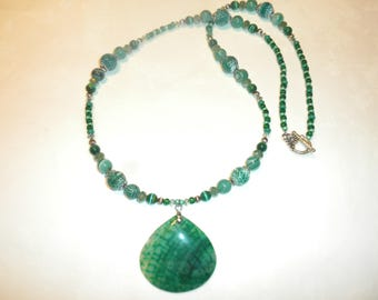 Emerald Green Dragon Veins Agate Necklace