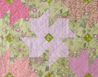 Tessellating Blossoms Patchwork Quilt Block Pattern