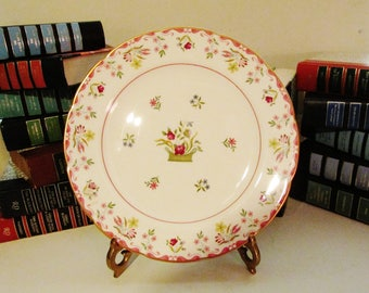 Wedgwood Bianca Dinner Plate, Williamsburg Commemorative Ware, English Country, Floral Basket, Floral Dining, Chinoiserie, Traditional Decor