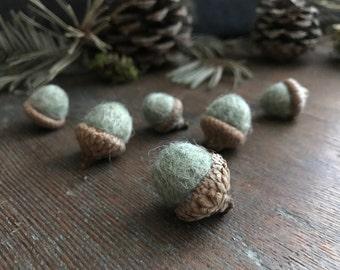 Felted wool acorns, set of 6, Pastel Green Heather, green felt acorns, handmade waldorf acorns, pnw gift, teacher gift, autumn wedding decor