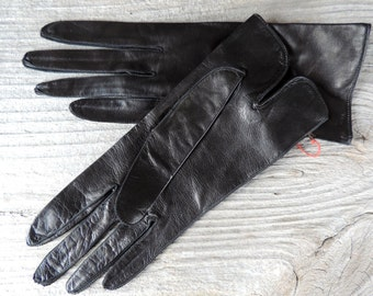Capretto Vintage Gloves Black Leather Short Length 1940's Finest Quality Leather with Origional Tag Very Soft