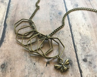 Hexagon stitch marker necklace - wire stitch markers w/bee