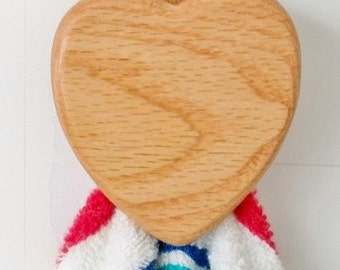 Mother's Day gifts Heart wood Magic marble towel holder Solid OAK  Kitchen Bath RV Boat Quilt display  Note recipe keeper