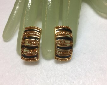 "Vintage 1"" Goldtone Black Enamel Painted Costume Jewelry Clip On Earrings"