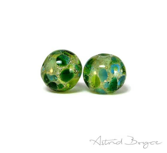 Greenery Sparkle Round Beads Artisan Lampwork Bead Pair - Free USA Shipping - Pantone Greenery - Pantone 2017 Color of the Year -Round Green