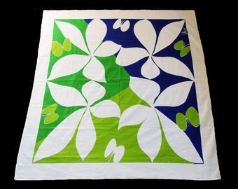 "VERA Mod tablecloth in floral blue and lime green / butterflies / square / cotton / 49"" x 50.5"""