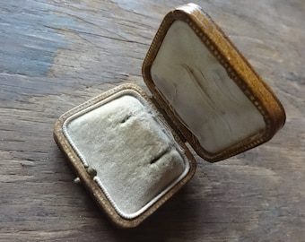 Vintage English Brown Gold Earring Box Jewellery Jewelry Presentation Gift Case Worn Old circa 1930-40's / English Shop