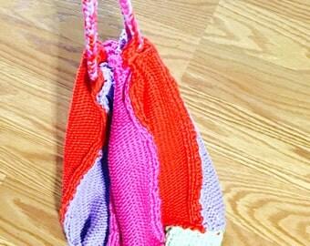 Multicolor Bohemian bag, knitted, Handmade in US, WINTER SALE, ítem no. Bde10