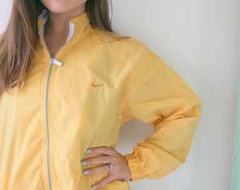 chaquetas nike vintage hombre amarillo