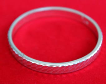 Beautiful Textured Sterling Silver Hinged-Bangle Bracelet