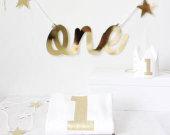 FIRST BIRTHDAY baby gift, first birthday cake smash baby vest party hat, baby bodysuit printed with number 1, gold and white first birthday