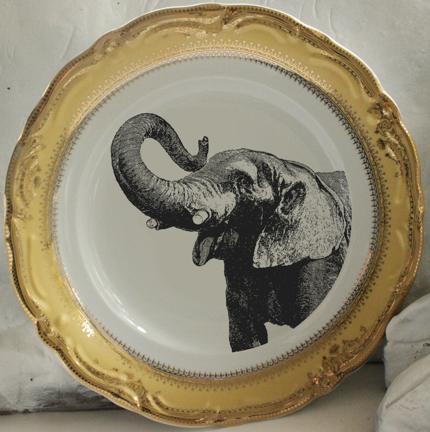 LIST PRICES MAY DIFFER FOR LARGE ORDER QUANTITIES - PLEASE LET US KNOW IF YOU PLAN ON PURCHASING SEVERAL ITEMS COST DECREASES WITH QUANTITY ORDERED. & Silver Elephant Plate Elephant Dish Elephant Dinnerware