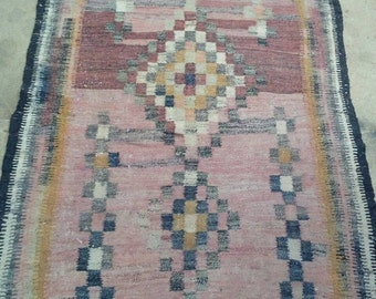 """Antique Kilim Tribal Rug Rustic Industrial Decor Rust Orange Brown Red 4'6"""" by 6'10"""" VG Condition"""