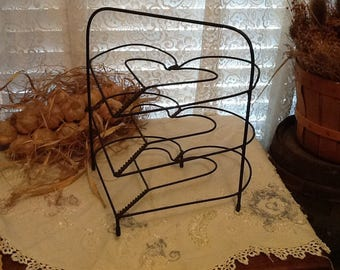 Wire Pie Rack 3 Tier Heart Shape Hand Wrought Kitchen Primitive Rustic Country Farmhouse Decor
