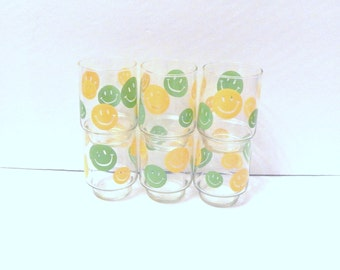 Libbey Smiley Glasses - Happy Face Glasses - Vintage Libbey - Yellow Green Smile - 1970s Glasses