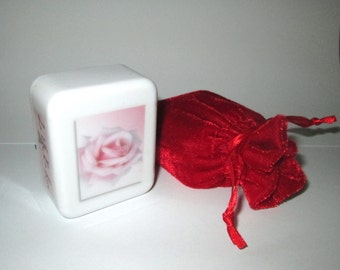 La Vie En Rose - Collectable Music Boxes of Your Favorite Songs - Great Gift Item